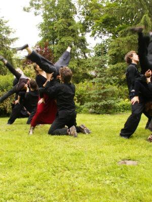 Trening poranny APT, czerwiec 2009. Na zdjęciu: W. Staniewski, M. Gołaj, K. Dziwny Gojtowski, J. Holcgreber, M. Daughton, J. TImingeriu, M. Hanusek. Fot. A. Mendel