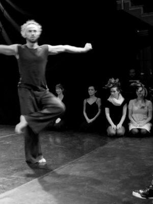 Pokaz prac X APT podczas Festiwalu Teatrów Błądzących 24.10.2010. Na zdjęciu A. Manuilov, P. Dziuba, A. Jurczyszyn. Fot. J. Holcgreber